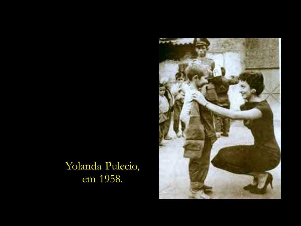 A mãe de Ingrid, dona Yolanda Pulecio, sempre esteve envolvida em causas sociais. Ainda no ano de 1958, criou o Albergue Infantil de Bogotá, instituiç