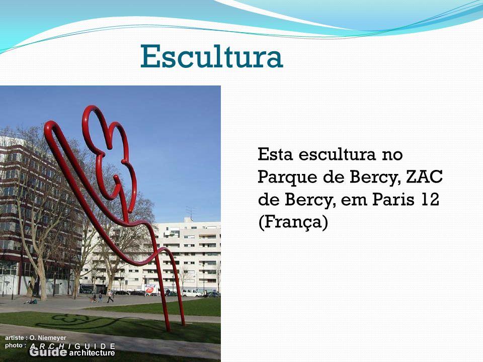 Escultura Esta escultura no Parque de Bercy, ZAC de Bercy, em Paris 12 (França)