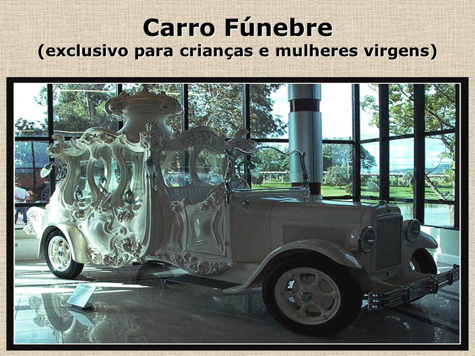 Andar Térreo (carro fúnebre)