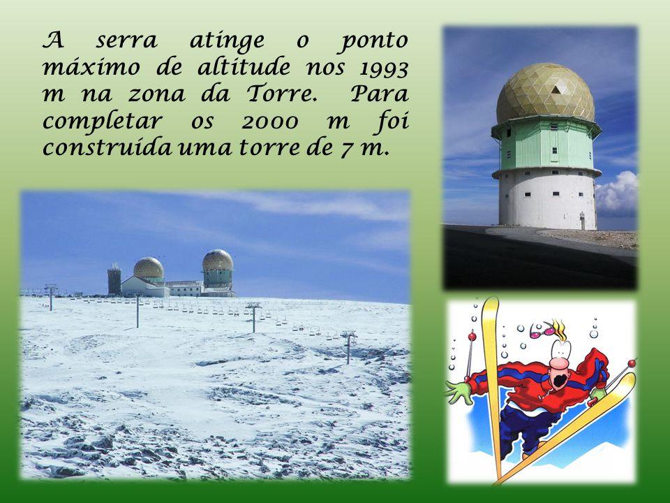 A serra atinge o ponto máximo de altitude nos 1993 m na zona da Torre.