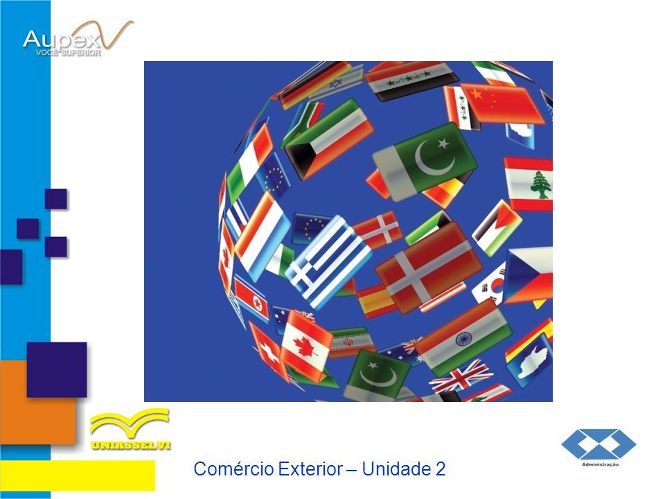 2 Ministérios e Câmara de Comércio 2.1 Câmara de Comércio Exterior - CAMEX A CAMEX é integrada pelo Ministro do Desenvolvimento, Indústria e Comércio Exterior, que a preside, pelos Ministros Chefe da Casa Civil; da Fazenda; do Planejamento, Orçamento e Gestão; das Relações Exteriores; e da Agricultura, Pecuária e Abastecimento.