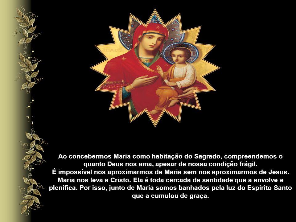 Contemplarmos Nossa Senhora como morada de Deus é tomarmos consciência da dignidade da pessoa humana, enquanto habitação do Espírito Santo. De modo es