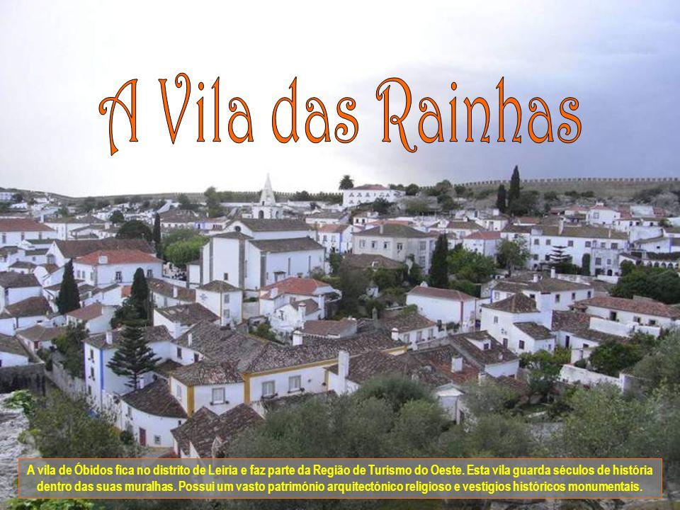 A vila de Óbidos fica no distrito de Leiria e faz parte da Região de Turismo do Oeste.