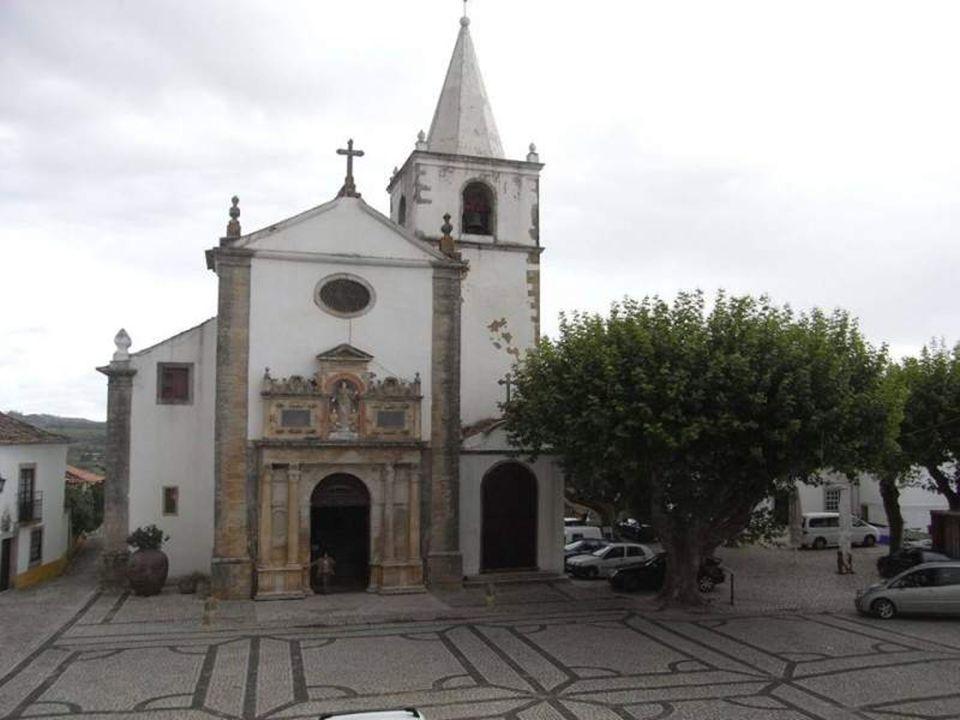 Igreja de Santa Maria (a Matriz). Remonta aos tempos da ocupação muçulmana tendo sido reedificada no período renascentista.