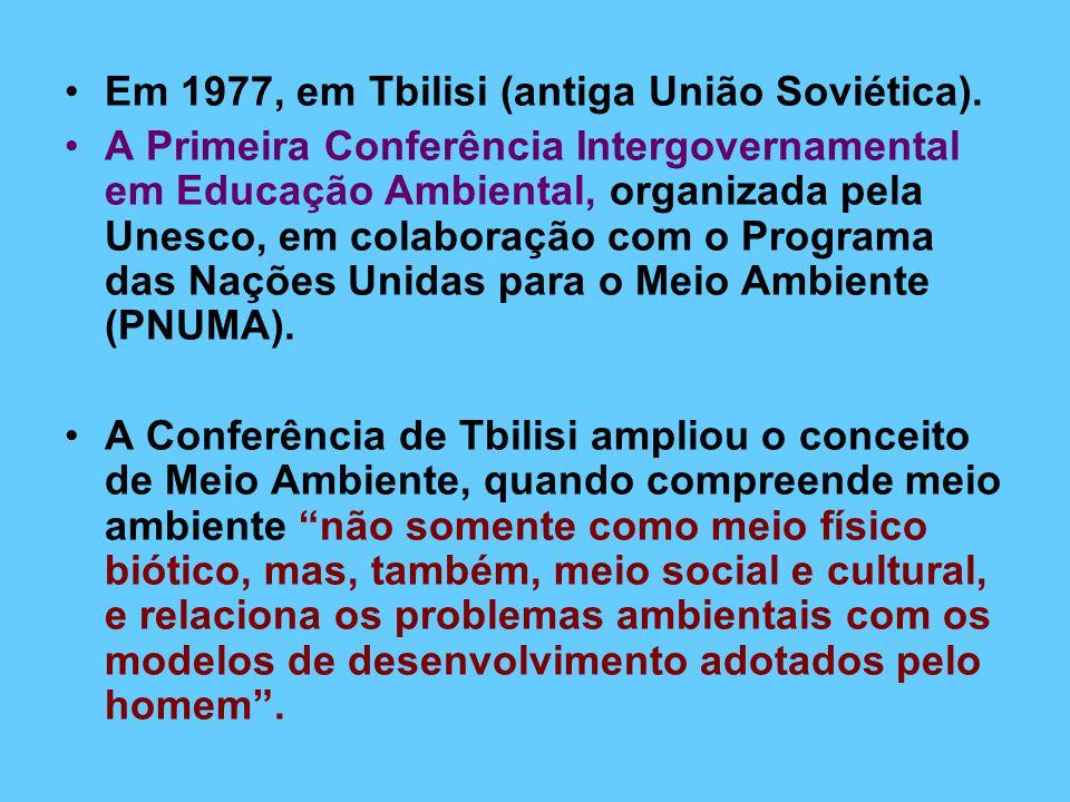 Em 1977, em Tbilisi (antiga União Soviética).