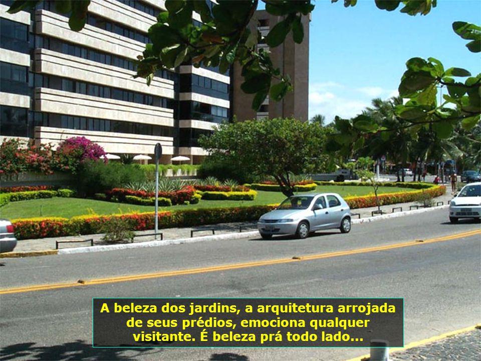 Alagoas tem sua economia baseada na cana-de-açúcar e no turismo.
