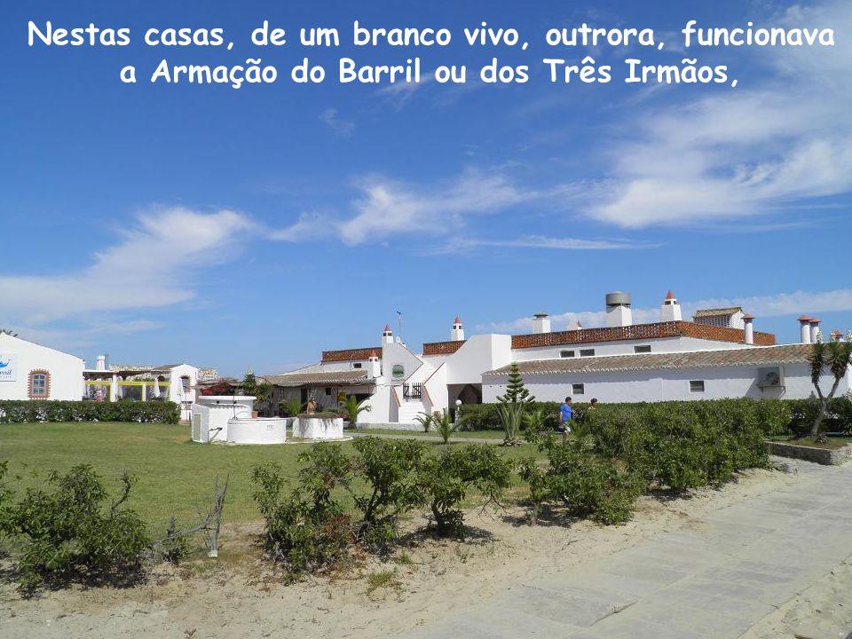 Antes de irmos ao banho como se diz no Algarve, fomos dar um giro pelo Arraial.
