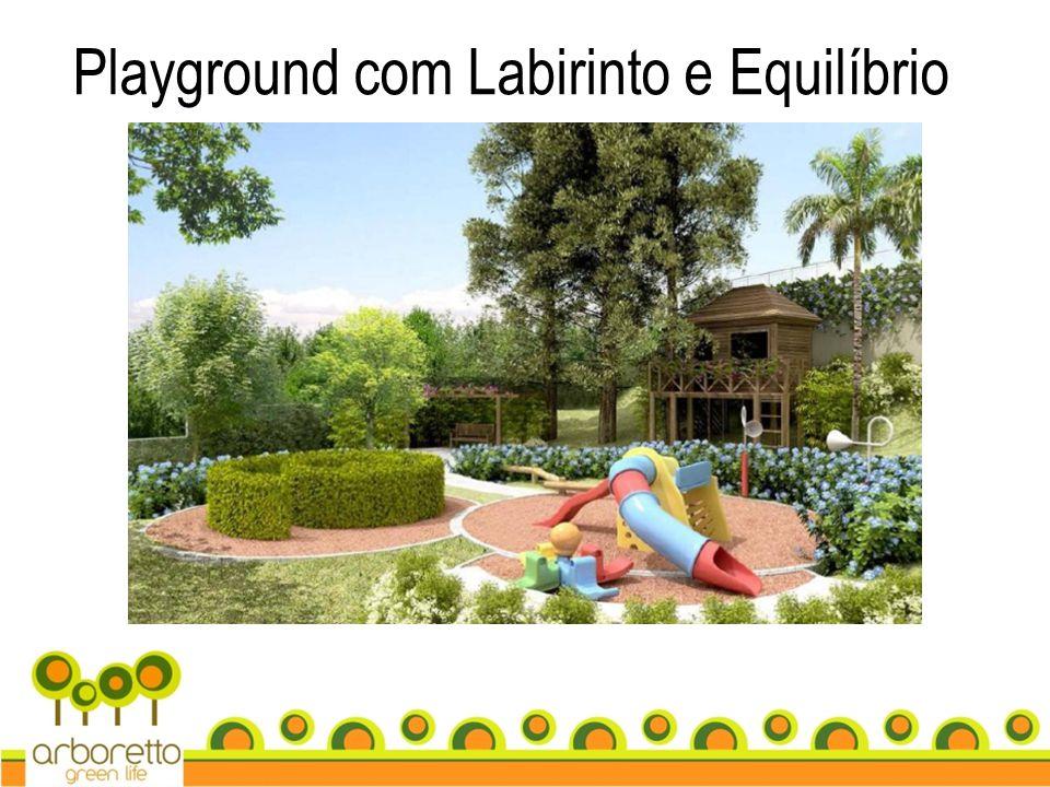 Playground com Labirinto e Equilíbrio