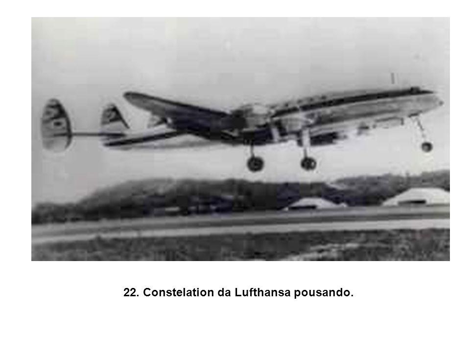 21. Construção do Aeroporto Internacional dos Guararapes, 1957.