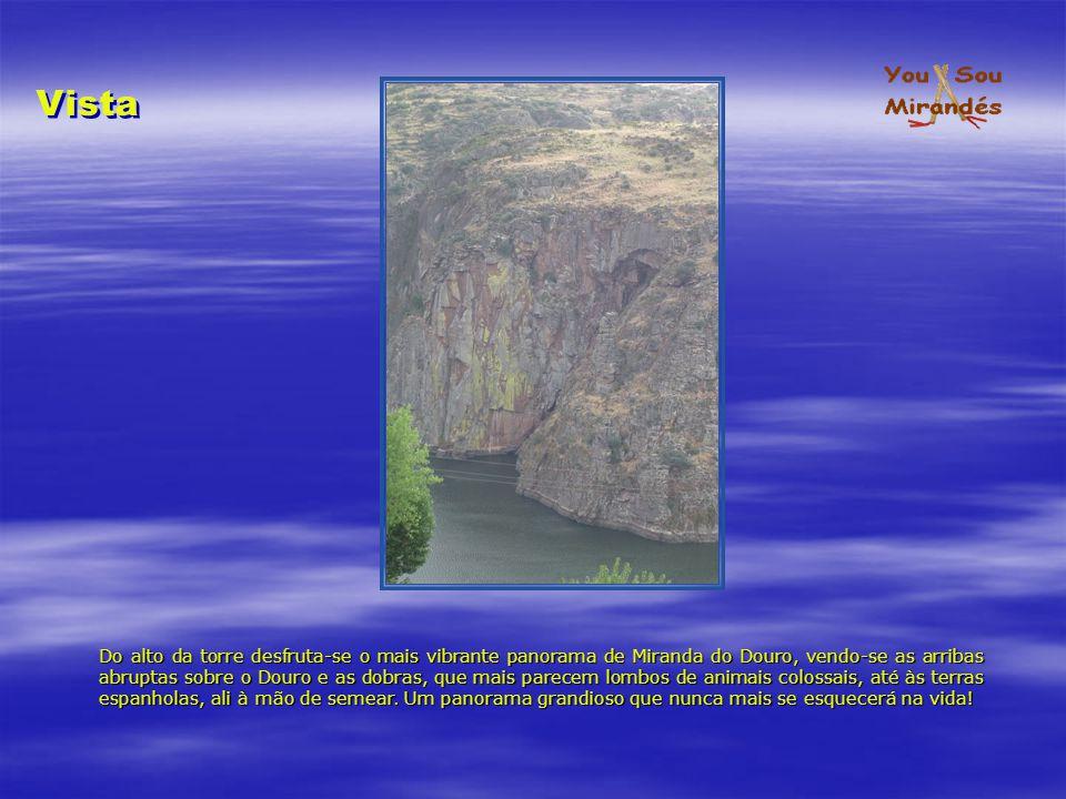 Capela-Mor A fundamentis Capela-Mor A fundamentis Padre Eterno Cristo Crucificado entre Sua Mãe e S.