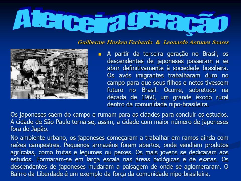 A partir da terceira geração no Brasil, os descendentes de japoneses passaram a se abrir definitivamente à sociedade brasileira. Os avós imigrantes tr