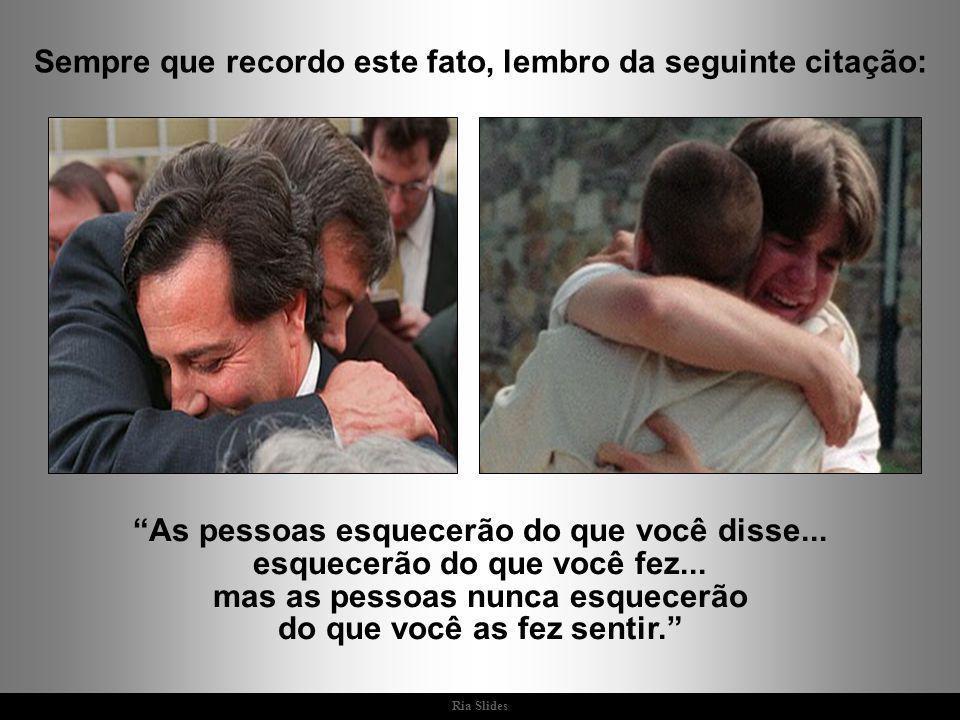 Ria Slides - Espero que você tenha bastante amor e amigos, e que seus ombros estejam sempre à disposição quando alguém precisar – disse minha mãe.