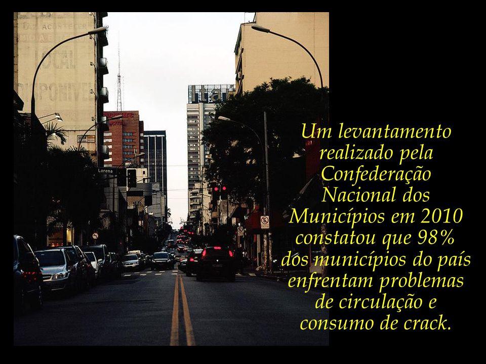 A fragilidade de nossas fronteiras está diretamente relacionada à ampla circulação de drogas nas nossas cidades – uma triste e dura realidade com a qu