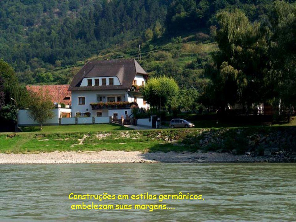Bastante navegável, com profundidade que chega a 12 metros, o Danúbio é um dos mais importantes Rios da Europa.....