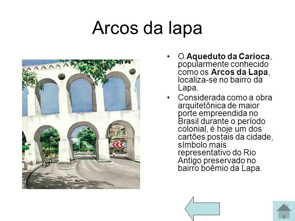 Copacabana No ano novo eles montam um palco e comemoram o ano novo.