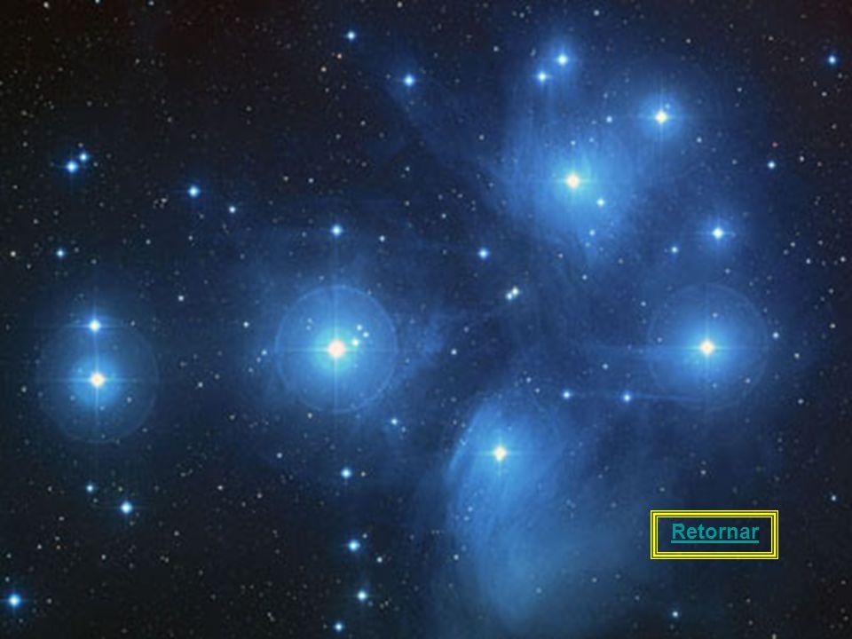 21 As Plêiades, também chamadas de aglomerado estelar (ou aglomerado aberto) M45, visíveis no hemisfério sul e no hemisfério norte, consistem de vária