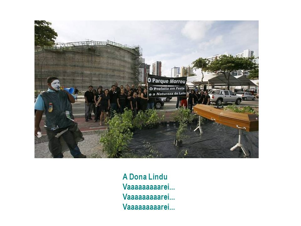 Fizeram o parque mais feio de Boa Viagem É todo concreto, não tem nenhum pé de bambu Oscar Niemeyer, arquiteto idoso Fez um projeto feioso, só pra com