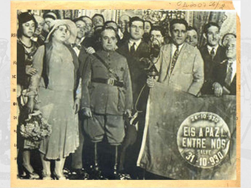 Assassinato de João Pessoa, o vice na chapa de Getúlio Vargas Tenentes e Aliança Liberal iniciam a luta armada Getúlio Vargas toma o poder: fim da Rep
