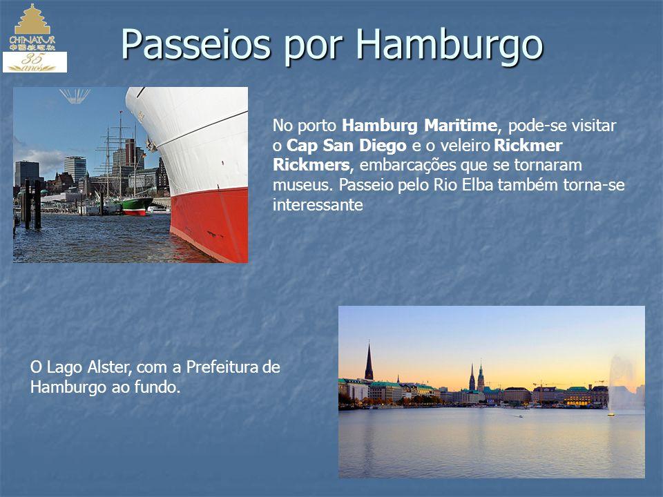 Os canais que cortam Hamburgo, na Alemanha, passam por modernos prédios e construções medievais que resistem à passagem do tempo com maestria.