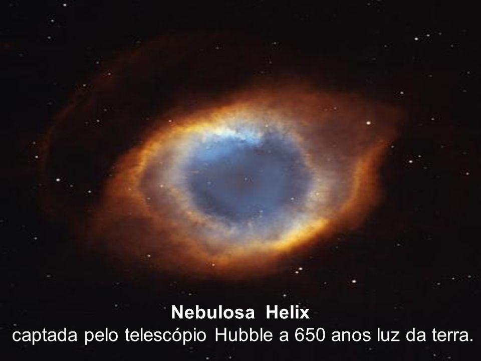 2 Nebulosa Helix captada pelo telescópio Hubble a 650 anos luz da terra.