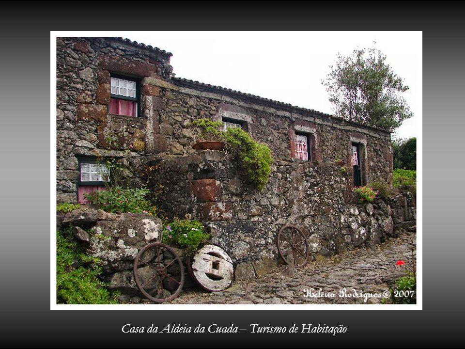 Casa da Aldeia da Cuada – Turismo de Habitação