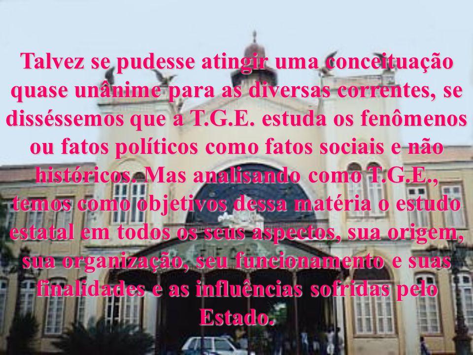 - Pinto Ferreira define Direito Constitucional como a ciência positiva das Constituições e T.G.E.