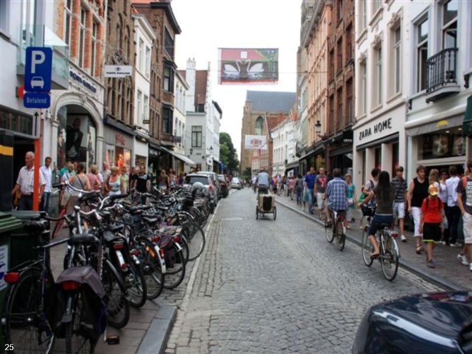 No início do séc. XII, Bruges foi incluída no circuito comercial Flamengo, devido à sua emergente indústria de lã e tecidos 24