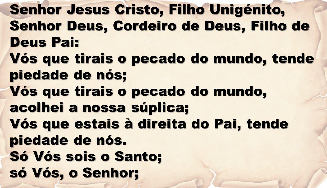 REUNIDOS NESTA CEIA DO SENHOR LOUVEMOS LOUVEMOS O NOSSO REDENTOR QUEM NASCEU MENINO E SE FEZ HOMEM SANTO DEUS FOI JESUS O NOSSO REDENTOR FOI JESUS O NOSSO REDENTOR QUEM VEIO ENSINAR O BOM CAMINHO PARA NÓS FOI JESUS O NOSSO REDENTOR FOI JESUS O NOSSO REDENTOR QUEM CUROU DOENTES E AOS CEGOS DEU VISÃO QUEM CUROU DOENTES E AOS CEGOS DEU VISÃO FOI JESUS O NOSSO REDENTOR FOI JESUS O NOSSO REDENTOR QUEM SOFREU E MORREU NA CRUZ PARA NOS SALVAR FOI JESUS O NOSSO REDENTOR FOI JESUS O NOSSO REDENTOR QUEM VEIO BUSCAR AS OVELHINHAS EXTRAVISADAS QUEM VEIO BUSCAR AS OVELHINHAS EXTRAVISADAS FOI JESUS O NOSSO REDENTOR FOI JESUS O NOSSO REDENTOR QUEM VEI DIZER QUE O CÉU PERTENCE AOS PEQUENINOS FOI JESUS O NOSSO REDENTOR FOI JESUS O NOSSO REDENTOR