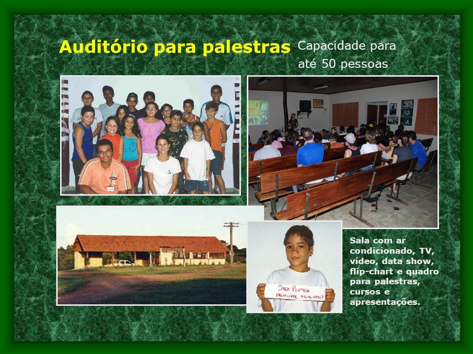 Auditório para palestras Capacidade para até 50 pessoas Sala com ar condicionado, TV, vídeo, data show, flip-chart e quadro para palestras, cursos e apresentações.