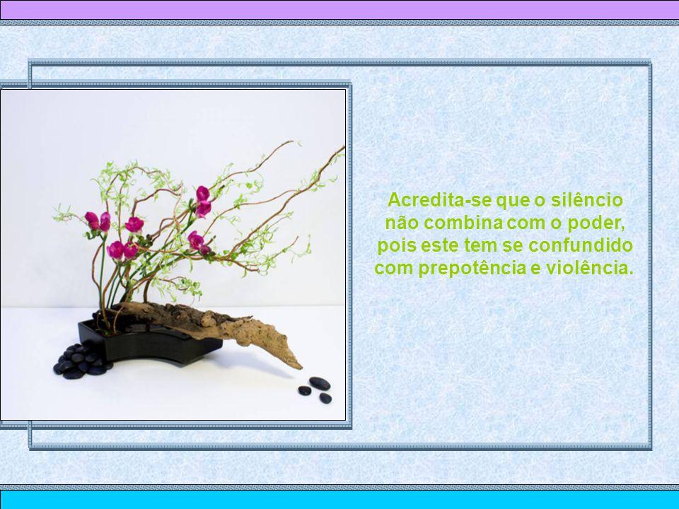 Música: Sonata ao Luar Imagens: Ikebanas - internet Texto:desconheço autoria Formatação: Maria Isabel de Oliveira