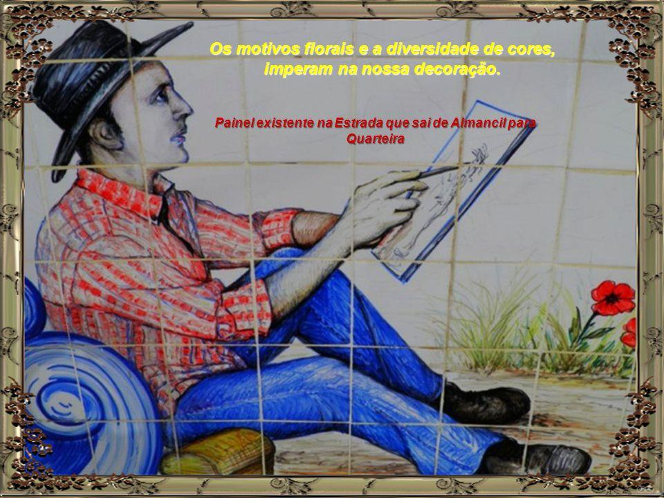 No que concerne à decoração, ou seja à pintura dos azulejos, a influência proveio do continente europeu. Painel existente em Ferragudo concelho de Lag