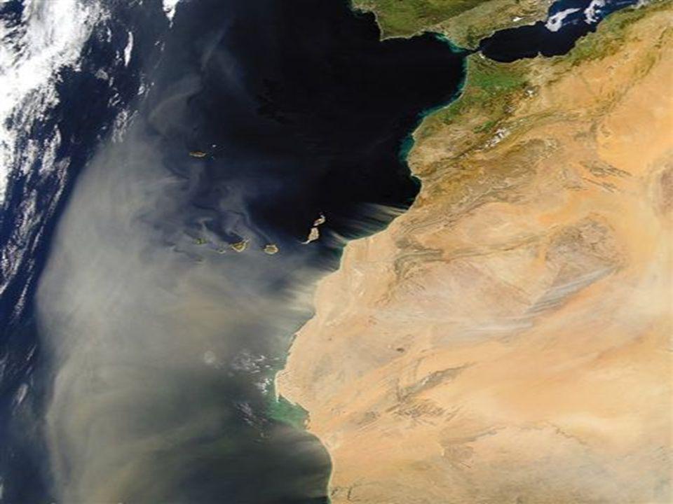 Sul da Península Ibérica. Uma tempestade de areia sai do Norte de Africa. Ilhas Canárias