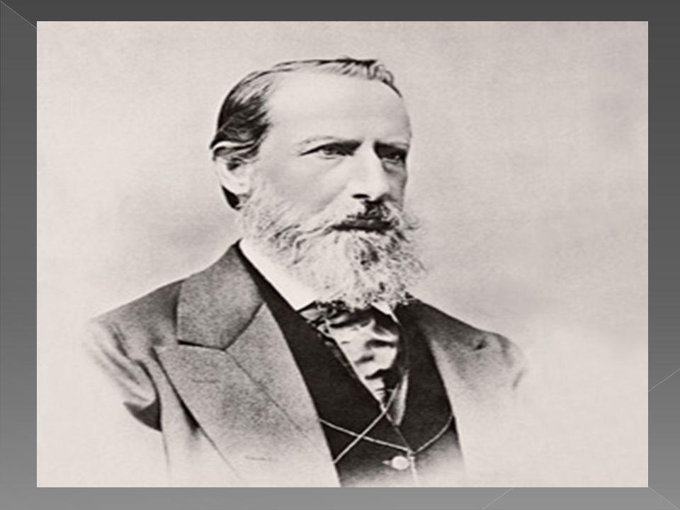  Enquanto isso, a Empresa Anglo-Suíça Leite Condensado, fundada em 1866 pelos Americanos Charles e George Page manteve uma forte competição com a Nestlé até à fusão das duas empresas em 1905.
