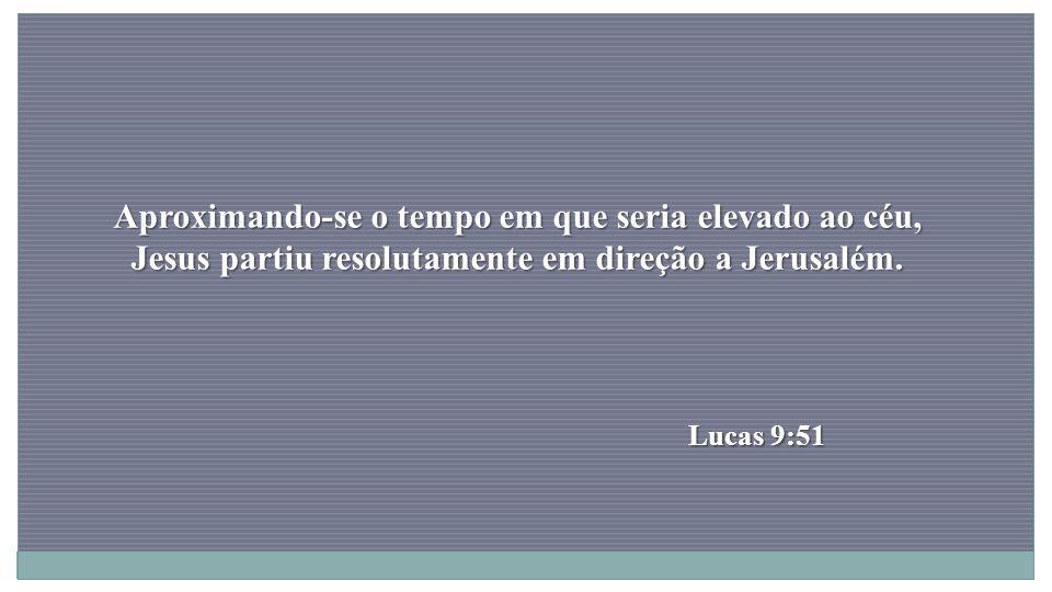 Tendo ele hesitado, os homens o agarraram pela mão, como também a mulher e as duas filhas, e os tiraram dali à força e os deixaram fora da cidade, porque o Senhor teve misericórdia deles.