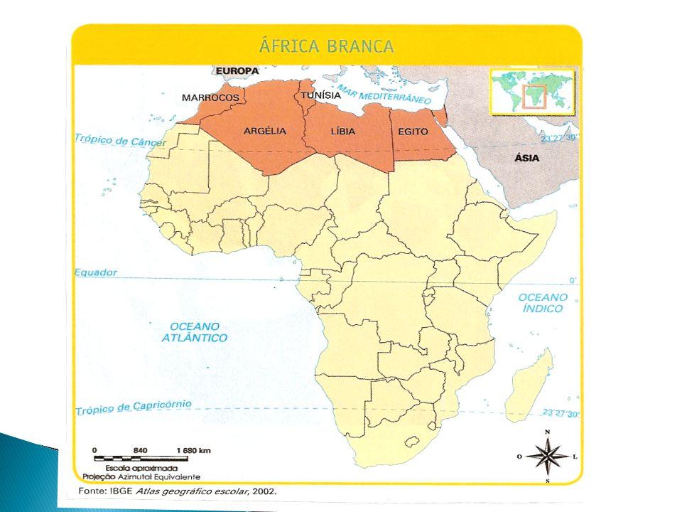  Os seis países da África Setentrional possuem características físicas e humanas semelhantes às nações do Oriente Médio, com clima desértico, população majoritariamente árabe, com língua e religião islâmica.