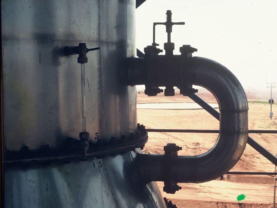 Tabela – Valores de K de Sorel ou coeficiente de solubilidade em função da substância adicionada ao etanol Retificação Industrial (Sorel) Comportamento das impurezas Riqueza alcoólica  Teoria de Sorel (solubilidade no álcool concentrado e quente (K) i = K I i = peso da impureza volátil no vapor I= peso da impureza no liquido gerador K= coeficiente da impureza → K < 1 e K  1 Graus GL Álcool Isoamilico Acetato de etilo Isobutirato de etilo Isovalerianato de etilo Acetato de Isoamilo 10 29,0 20 18,0 303,0012,6 401,928,6 501,205,8 600,804,34,202,31,70 700,543,62,301,71,10 800,342,91,401,30,80 900,302,41,100,90,60 Ponto de Ebulição 132°C77,1°C110°C135°C137,6°C