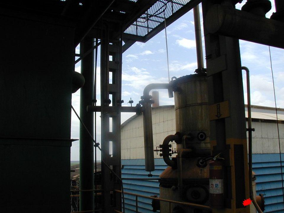 Álcool de segunda Condensador E 2 Álcool de segunda  produto de cabeça contendo pricpalmente vários componentes de baixo ponto de ebulição, etanol  teor alcoólico: 92,0 – 94,5ºGL Extração:  garrafa manométrica do condensador E 2 Principais anormalidades:  perda de produção 