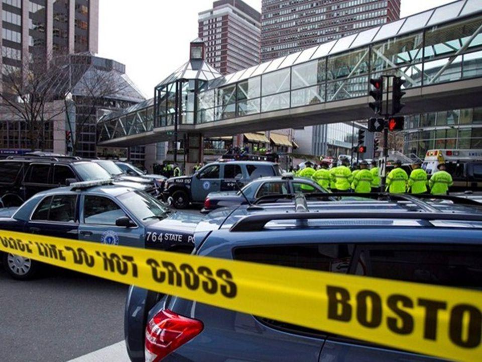Outros dois explosivos foram encontrados e o nível de segurança foi elevado em diversas cidades do país, como Nova York e Washington.