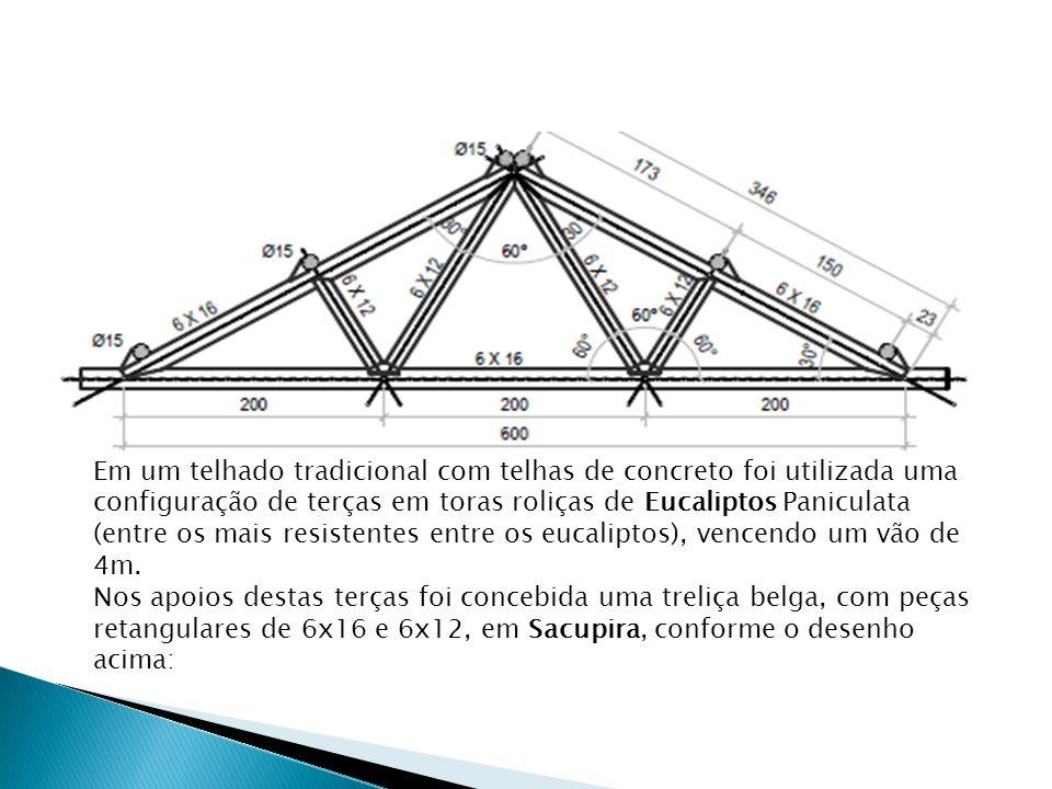 Em um telhado tradicional com telhas de concreto foi utilizada uma configuração de terças em toras roliças de Eucaliptos Paniculata (entre os mais res