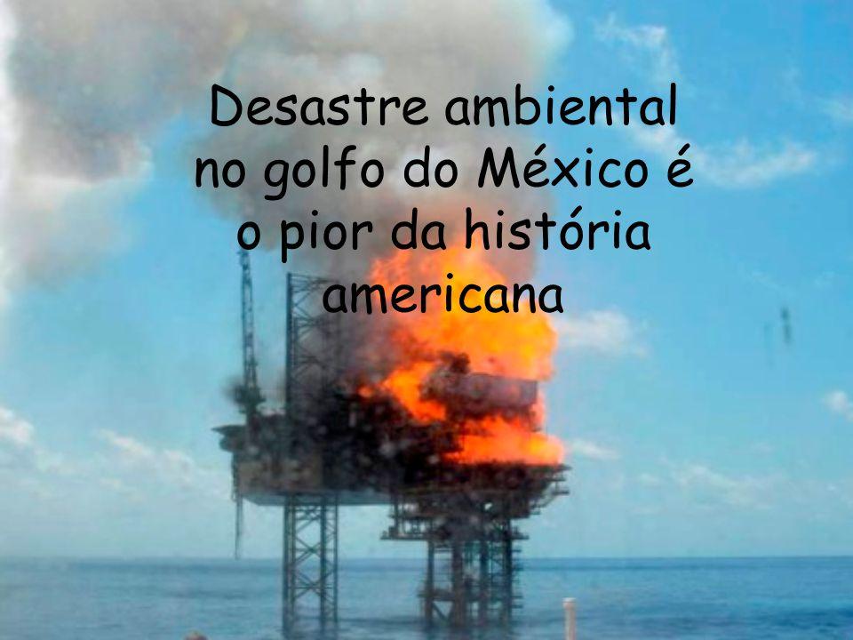 O petróleo começou a vazar após a explosão de uma plataforma de petróleo da BP em abril.