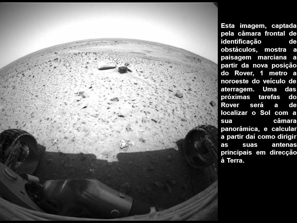 Esta imagem, captada pela câmara frontal de identificação de obstáculos, mostra a paisagem marciana a partir da nova posição do Rover, 1 metro a noroe