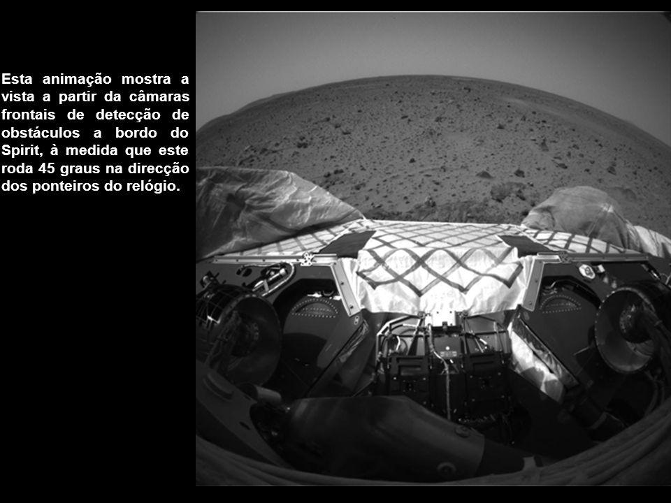 Esta animação mostra a vista a partir da câmaras frontais de detecção de obstáculos a bordo do Spirit, à medida que este roda 45 graus na direcção dos