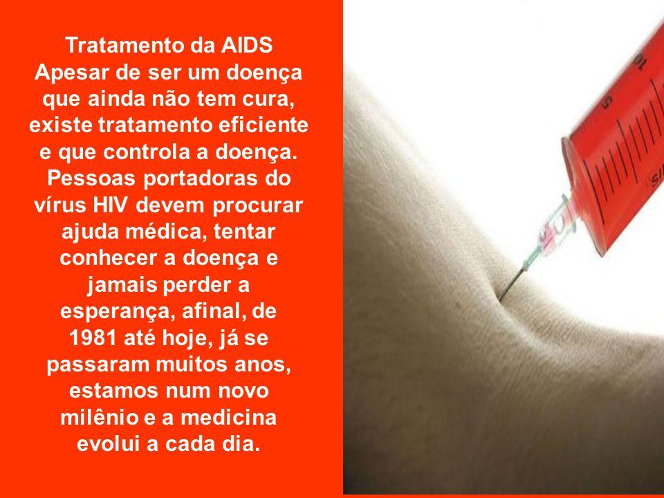 Em 1984, cientistas americanos e franceses isolaram, de células de pacientes com AIDS, o vírus HIV, que passou a ser considerado o causador da doença.
