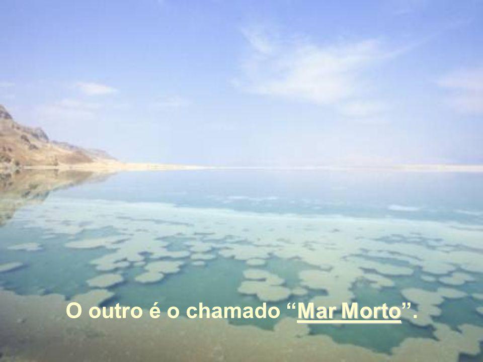 Um é o Lago de Genesaré, também conhecido como Mar da Galileia Ou Lago de Tiberíades.