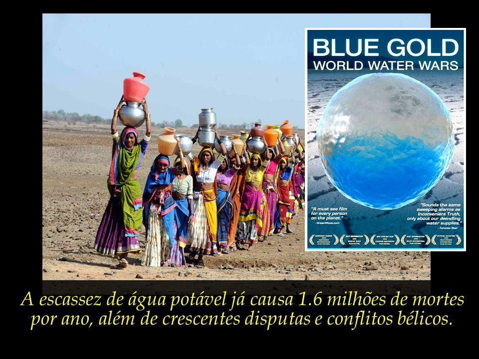 """A água é tratada por muitos especialistas como """"ouro azul"""", cuja crescente escassez começa a ocasionar amplos deslocamentos de refugiados climáticos."""