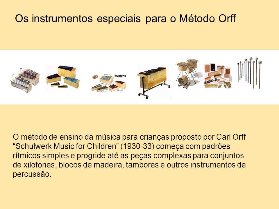 """O método de ensino da música para crianças proposto por Carl Orff """"Schulwerk Music for Children"""" (1930-33) começa com padrões rítmicos simples e progr"""