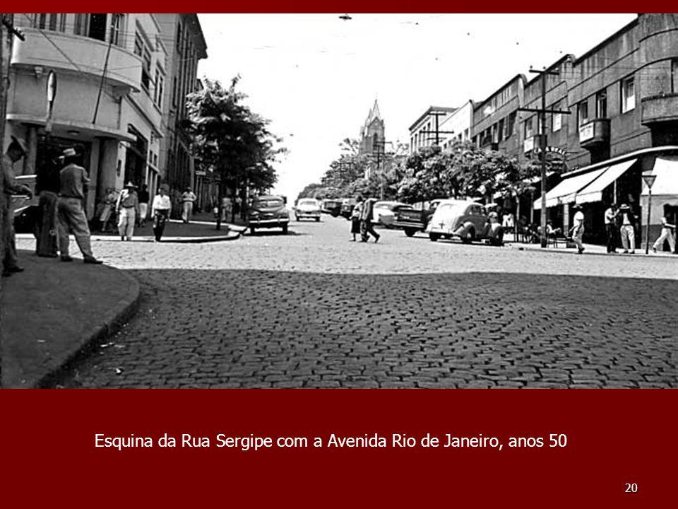 20 Esquina da Rua Sergipe com a Avenida Rio de Janeiro, anos 50