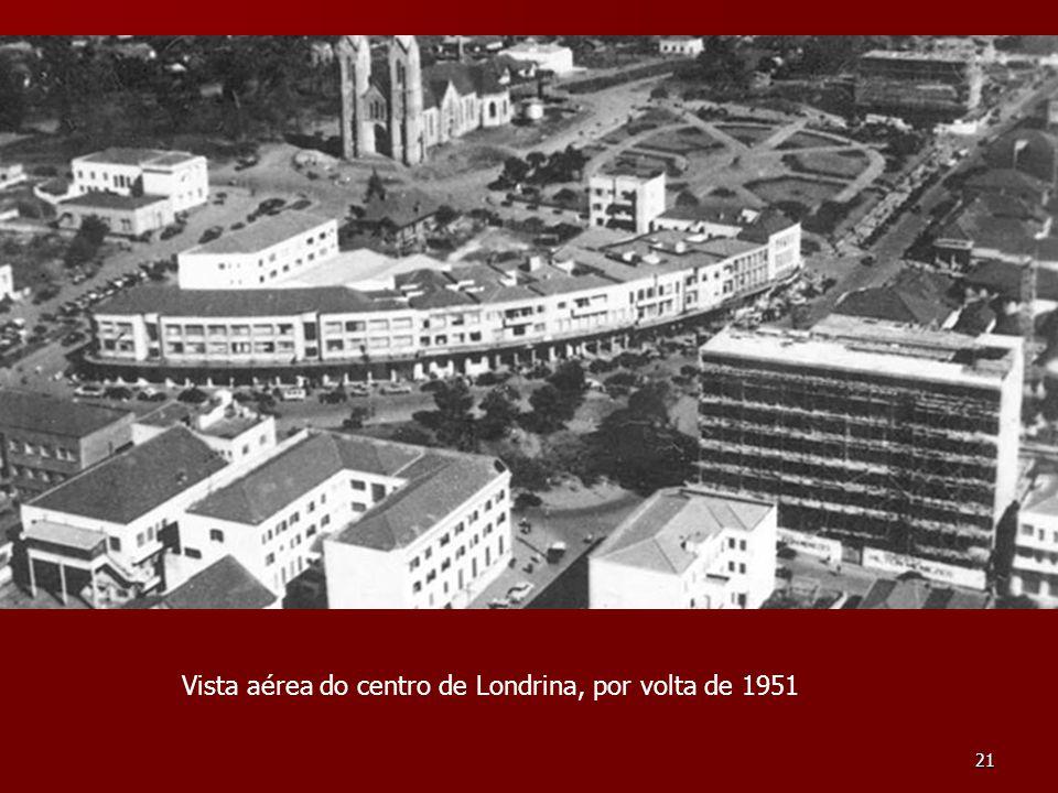 21 Vista aérea do centro de Londrina, por volta de 1951