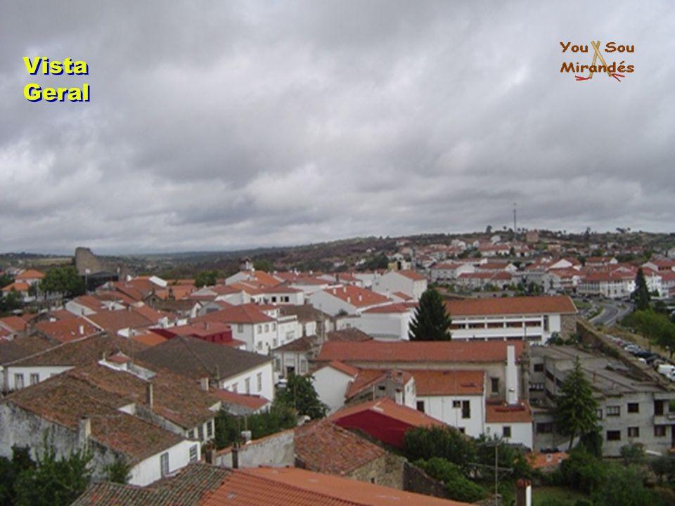 Concepção: Raúl Silva Música: Nós Tenemos Muitos Nabos - Galandum Galundaina email: yousoumirandes@gmail.com www.mirandadodouro.com.pt F I M