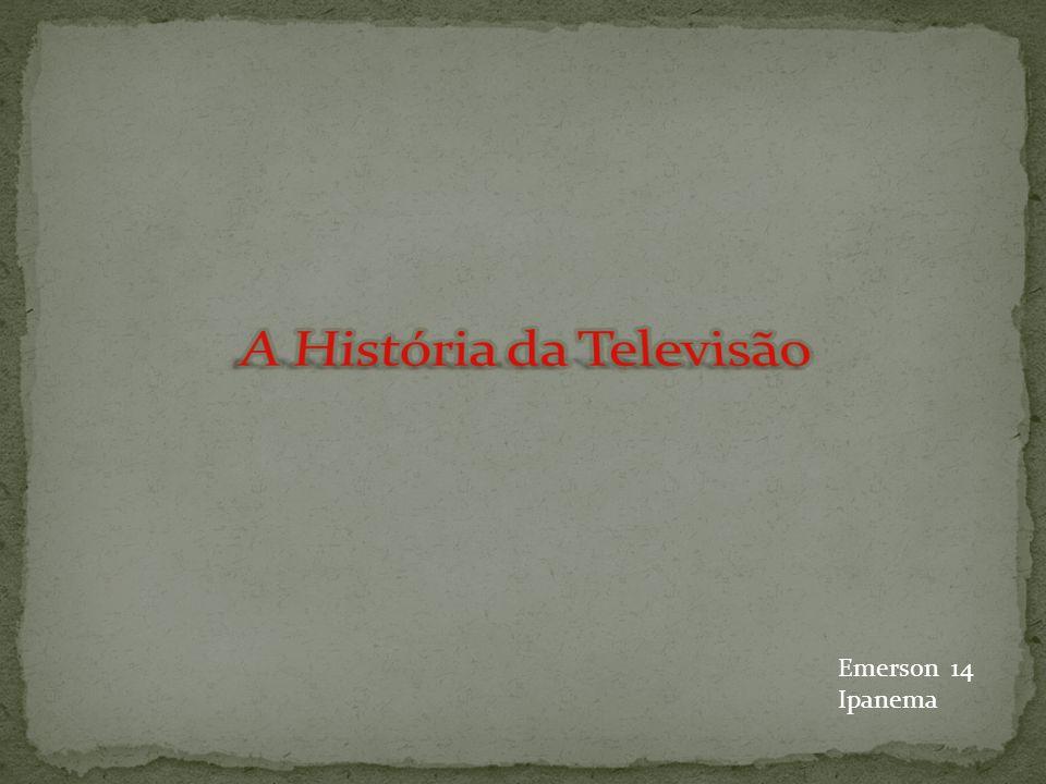 Em 1927 aconteceram os primeiros testes para a transmissão de TV, realizados pela AT&T.
